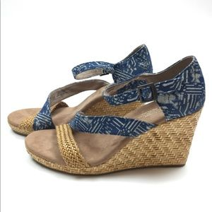 TOMS blue white buckle high wedge sandal shoes